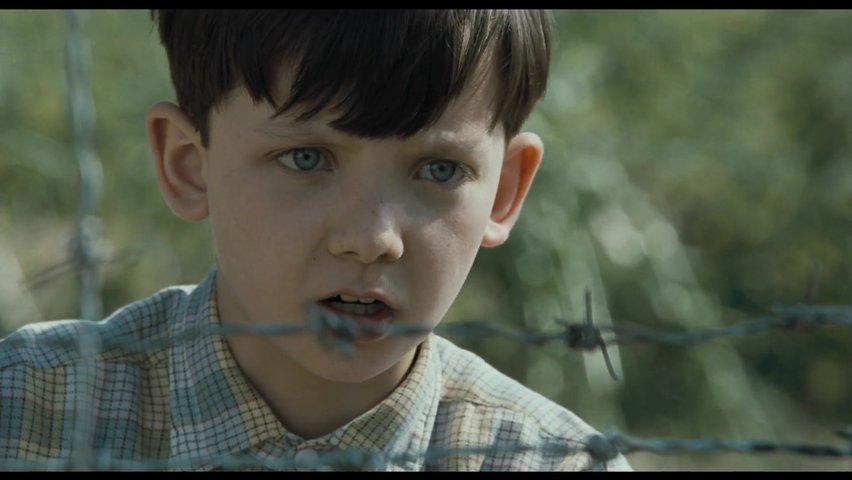 Смотреть видео в онлайн мальчик попал в лагерь